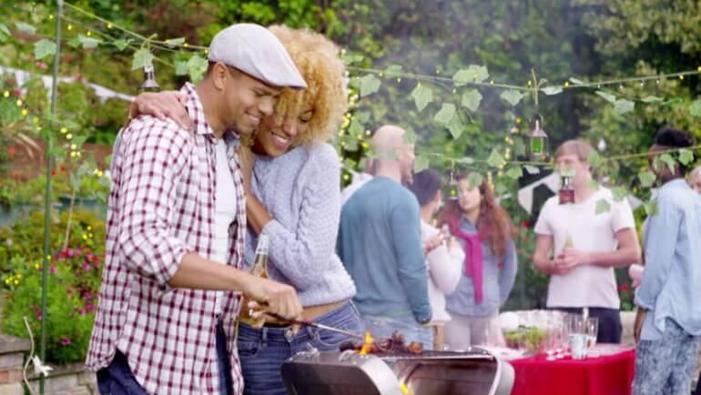 Kápráztasd el vendégeidet! A tökéletes kerti parti receptje